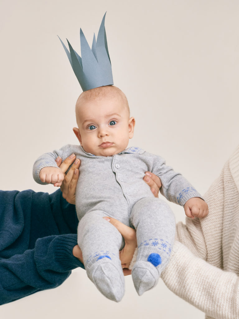 Зимняя одежда для малышей и новорожденных
